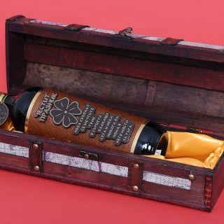 Сувенир кутия с бутилка червено  вино